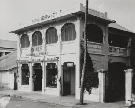 "The stationer's shop ""Royale"" of the portugese firm Nogueira & Co in Kinshasa"