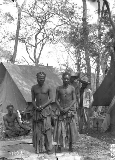 The chief N'Gouda M'wevu from the village Kibanga paying a visit to the mission (1899)