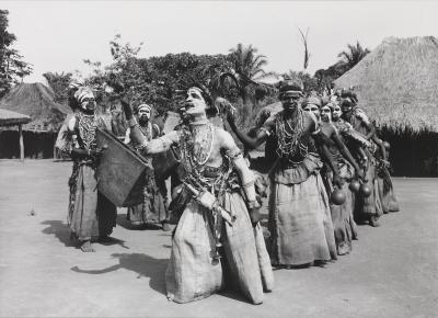 Traditional dance of the 'Bambuli' association (1956)